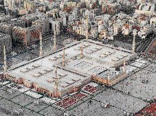 The Prophet's Mosque in Madinah with surrounding Plaza Click to view high resolution version